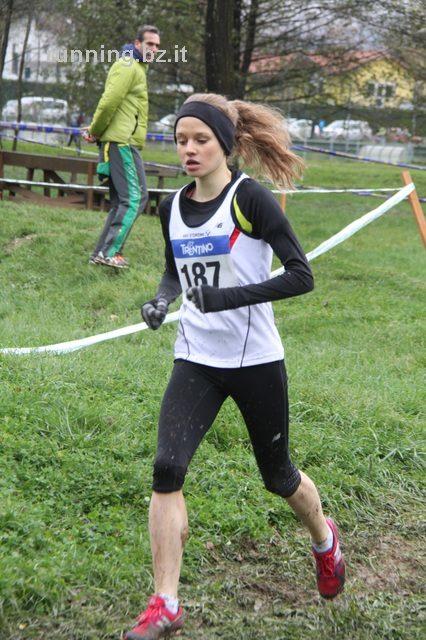 Vielversprechender Auftakt der Sterzinger Läuferinnen in Levico Terme