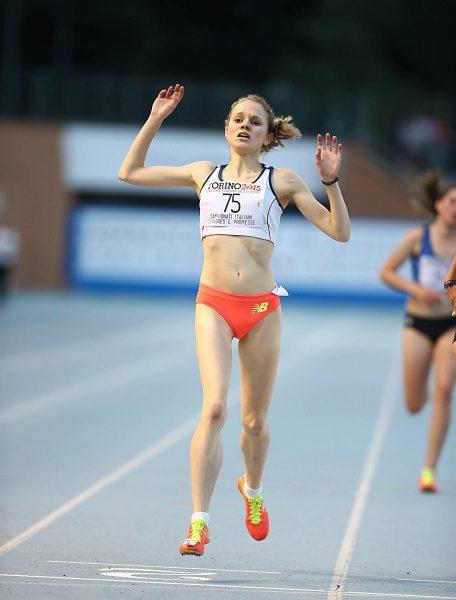 Mit einer superlativen Leistung wiederholt Anna Stefani den Sieg vom Vorjahr: Italienmeisterin über 5000m