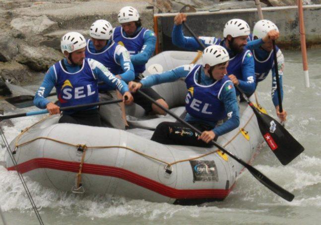 Sterzinger Rafter schaffen im 6er-Boot eine lupenreine Qualifikation für die Rafting WM 2015 in Indonesien und erobern in der Gesamtwertung zwei Staatsmeistertitel