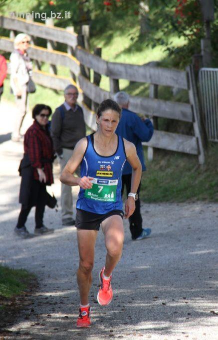 Agnes Tschurtschenthaler entscheidet auch den Berghalbmarathon von Salten souverän für sich