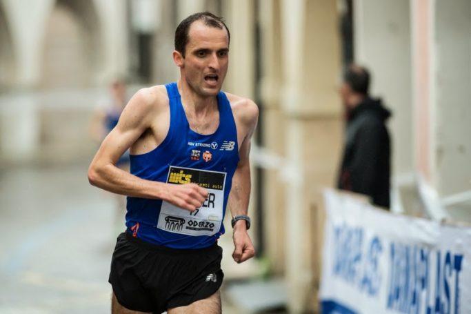 """Markus Ploner trumpft beim Berliner Halbmarathon, beim """"Potato Run"""" in Sand in Taufers und bei Cortina Toblach groß auf"""