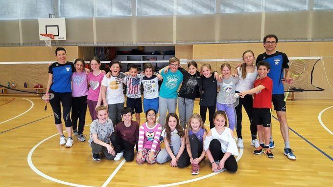 """Die Sektion Badminton im ASV Sterzing Volksbank zu Gast bei der 5. Klasse der Grundschule """"Josef Rampold"""""""